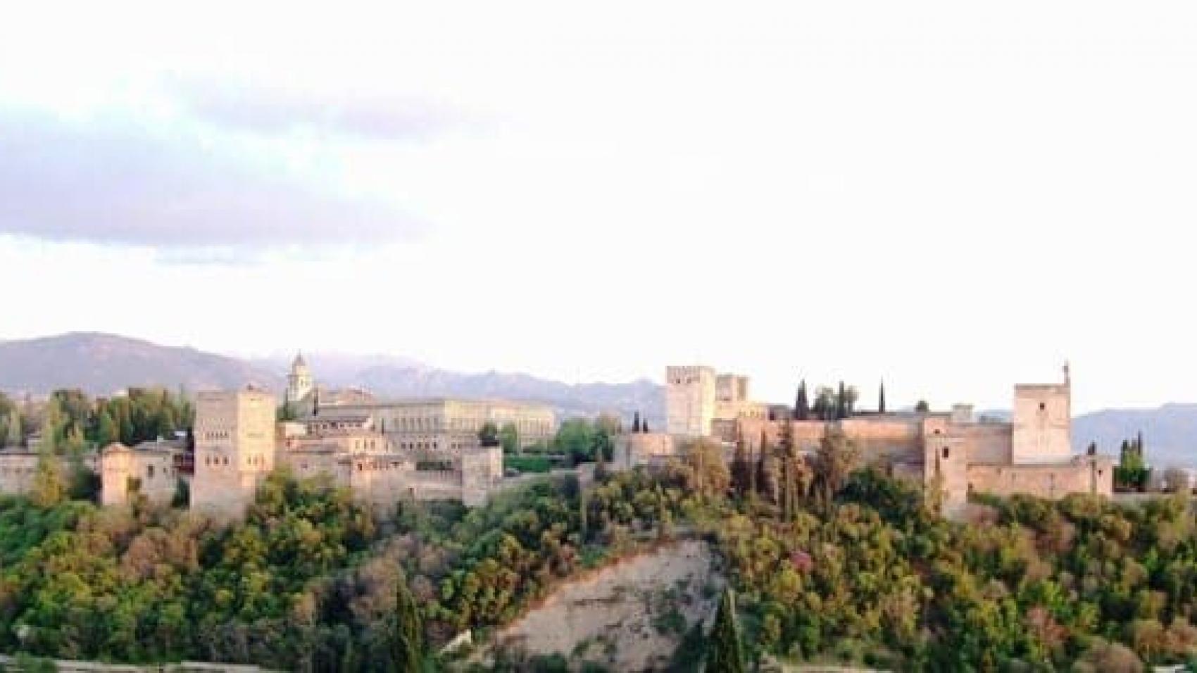 Grananda - Alhambra esteriore